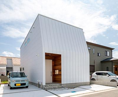「完成見学会」でR+houseの施工事例を見る